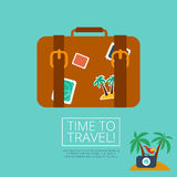 Bagaż Rzemienna walizka z podróż majcherem Obraz Stock