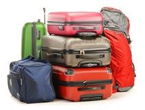 Bagage som består av stora resväskor, vandrar och reser hänger lös Fotografering för Bildbyråer