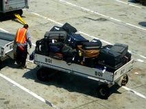 Bagagem do passageiro dos aviões Fotografia de Stock