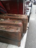 Bagagem do vintage em um táxi do vintage Imagem de Stock Royalty Free