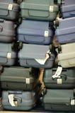 A bagagem empilha acima Foto de Stock