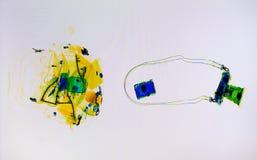 Bagages balayés sur l'écran de scanner de rayon X Images libres de droits