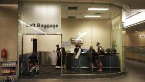 Bagages gauches dans l'aéroport Singapour de Changi Photo libre de droits