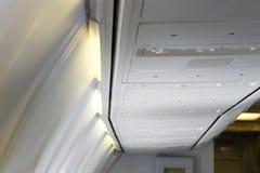bagagli della cabina dell'aeroplano Immagini Stock