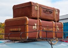 Bagagli ed auto Fotografie Stock