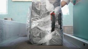 Bagagli a punto di controllo dell'analizzatore dei bagagli, registrazione del bagaglio video d archivio