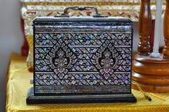 Bagaglio antico tailandese di arti fotografie stock libere da diritti