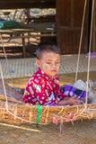 BAGAN,缅甸- 2014年11月28日:未认出的儿童游戏 免版税图库摄影