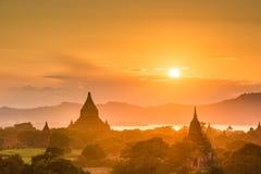Bagan, αρχαίο τοπίο καταστροφών ναών του Μιανμάρ στην αρχαιολογική ζώνη στοκ εικόνες