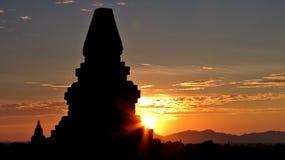 Bagan в свете захода солнца стоковая фотография rf