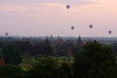 Bagan antes de la salida del sol, Birmania, Asia foto de archivo
