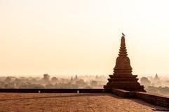 Bagan au lever de soleil images stock