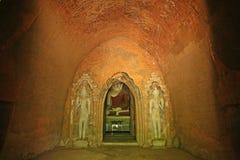 Bagan boeddhistische tempel stock afbeeldingen