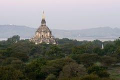 bagan gawdawpalinmyanmar tempel Fotografering för Bildbyråer