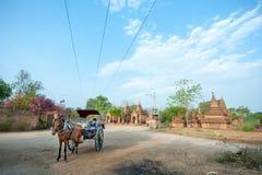 BAGAN - 4. MAI: Tempel in Bagan 4,2013 im Mai, Bagan, Myanmar Stockbilder