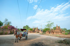 BAGAN - 4 MEI: Tempels in Bagan op 4,2013 MEI, Bagan, Myanmar Stock Afbeeldingen