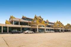 BAGAN, MYANMAR - 14 marzo 2015: Vista esteriore dell'aeroporto internazionale di BAGAN Fotografia Stock Libera da Diritti