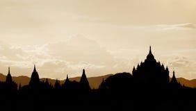 bagan Myanmar sylwetki świątynie Obrazy Royalty Free