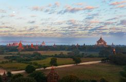 Bagan Pagodas durante o nascer do sol, Myanmar Foto de Stock