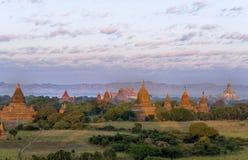 Bagan Pagodas durante o nascer do sol, Myanmar Fotografia de Stock