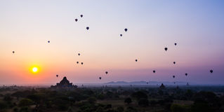 Bagan Sonnenaufgang stockfotos