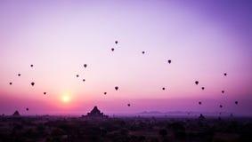 Bagan Sonnenaufgang lizenzfreie stockbilder