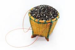 Bagas do arroz na cesta fotografia de stock royalty free