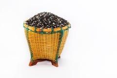 Bagas do arroz na cesta imagem de stock royalty free