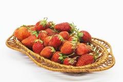 Bagas maduras vermelhas das morangos no fundo claro Foto de Stock Royalty Free