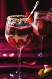 Bagatela de las fresas, del chocolate y del mascarpone Fotos de archivo libres de regalías
