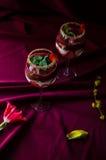 Bagatela de las fresas, del chocolate y del mascarpone Imagenes de archivo