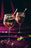Bagatela de las fresas, del chocolate y del mascarpone Foto de archivo libre de regalías