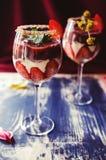 Bagatelle de fraises, de chocolat et de mascarpone Image stock