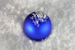 Bagattella blu di natale fotografia stock