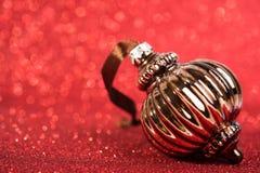 Bagattella d'annata della decorazione di natale festivo Fotografie Stock