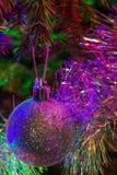 Bagattella d'argento luccicante di Natale Fotografie Stock