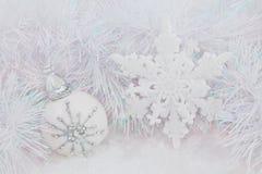 Bagattelle di bianco di Natale Immagine Stock