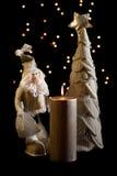 Bagattelle e candela di natale Fotografia Stock Libera da Diritti