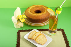 Bagel с чаем молока Стоковые Фото