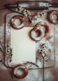 Bagel caseiro feito a m?o Pastelarias frescas com a??car imagens de stock