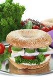 Bagel com queijo do camembert fotos de stock royalty free