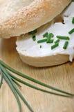 Bagel de fromage fondu Images libres de droits
