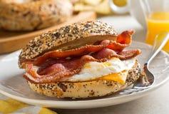 Bagel de petit déjeuner photos libres de droits
