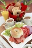 Bagel e caffè dei salmoni affumicati Fotografia Stock