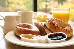 Bagel-Frühstück Lizenzfreie Stockfotografie