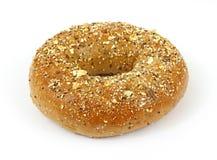Bagel inteiro do trigo da grão Foto de Stock Royalty Free