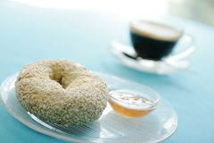 Bagel with jam Royalty Free Stock Photography