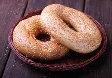 Bagel mit Samen des indischen Sesams stockfotos