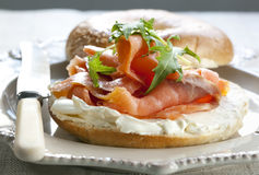 Bagel Salmon fumado Foto de Stock Royalty Free