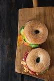 Bagels με το σολομό και το αυγό Στοκ εικόνες με δικαίωμα ελεύθερης χρήσης